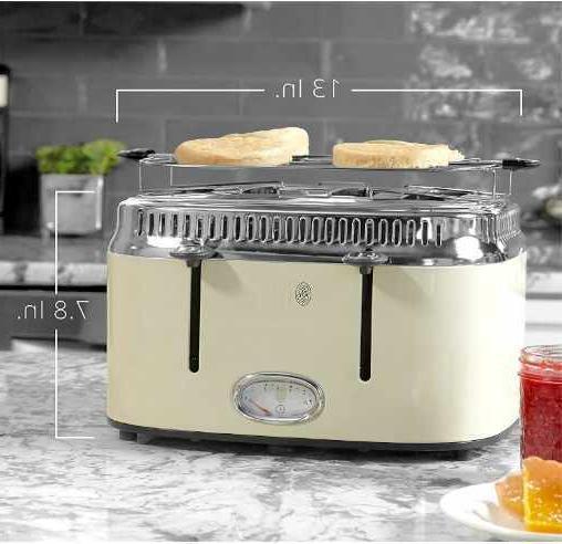 Russell Style Toaster Unopened Cream