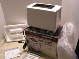 NIB 2 Slice White Wide Slot Black & Decker Toaster T215