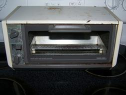 PARTS AVAILABLE Vintage Black & Decker Space Saver Toaster O