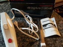 Toaster Electric Curving Knife new in box with one dual blad